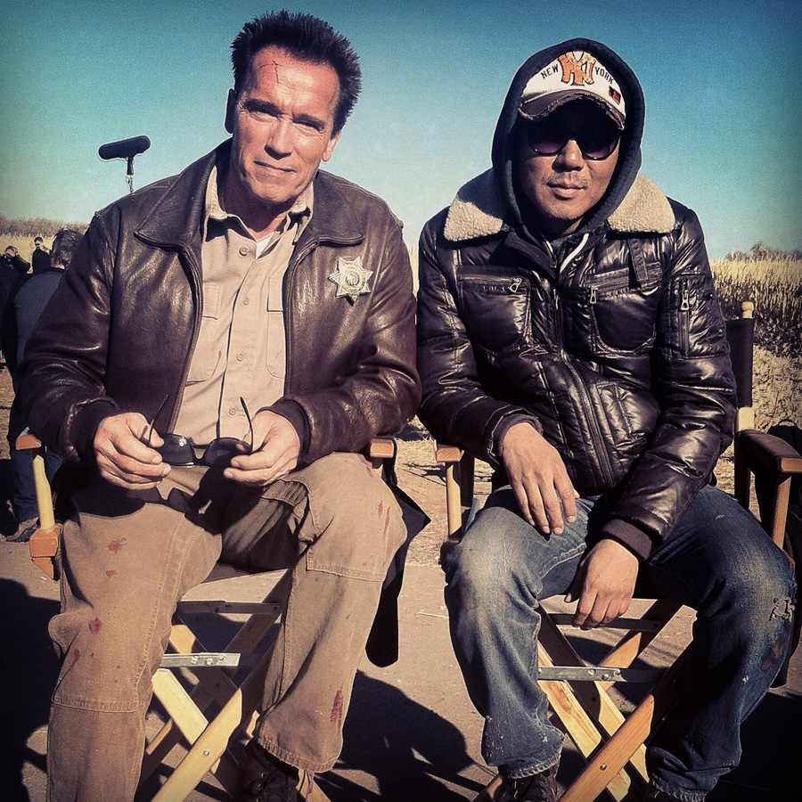 Arnold Schwarzenegger and Jee-Woon Kim(by CJ Entertainment)